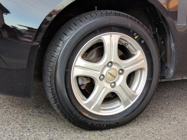 新品のタイヤに履き替え